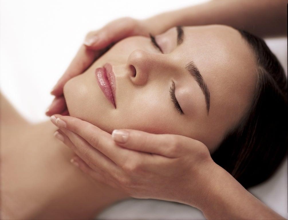 Spa Treatment Anti-Ageing Facial. Pleasure Promise Treatment Darphin at Harrods Beauty. Little Black Book of Beauty Secrets