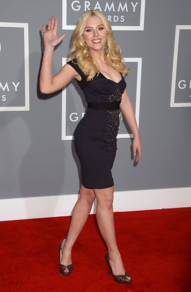 Scarlett sent out a wave in a curve-hugging dress at the Grammys in 2007.