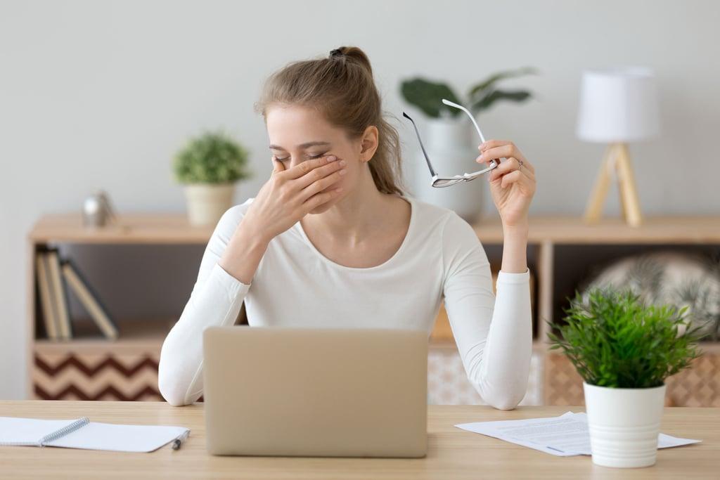 نصائح للسلامة من كوفيد-19 |  طريقة التخلص من عادة لمس الوجه