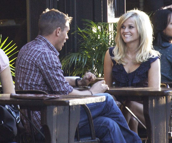 Slide Picture of Reese Witherspoon Filming This Means War 2010-10-01 15:15:33