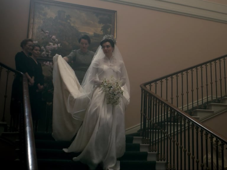 The Crown re-created Princess Margaret\'s wedding gown down to the ...
