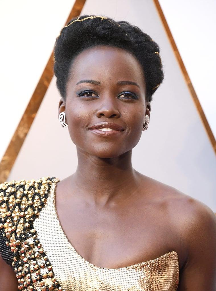 Makeup Ideas hair and makeup photographs : Lupita Nyong'o Hair and Makeup at the 2018 Oscars | POPSUGAR Beauty