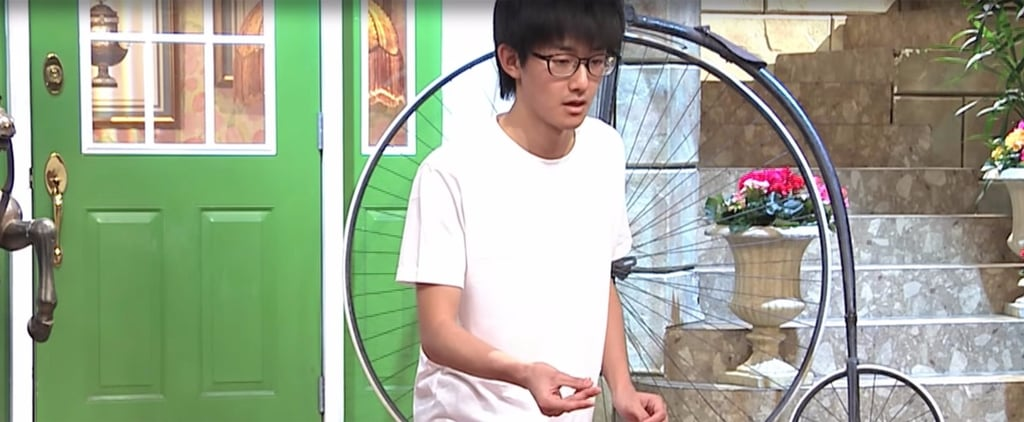 Watch This Student Beat the World Record For Most Finger Snaps in 1 Minute
