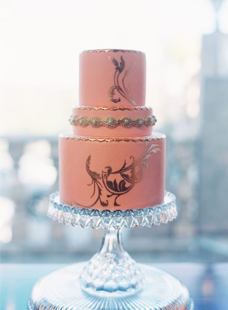 You can never go wrong when pink meets gold, and this stunning cake is one perfect example of that.