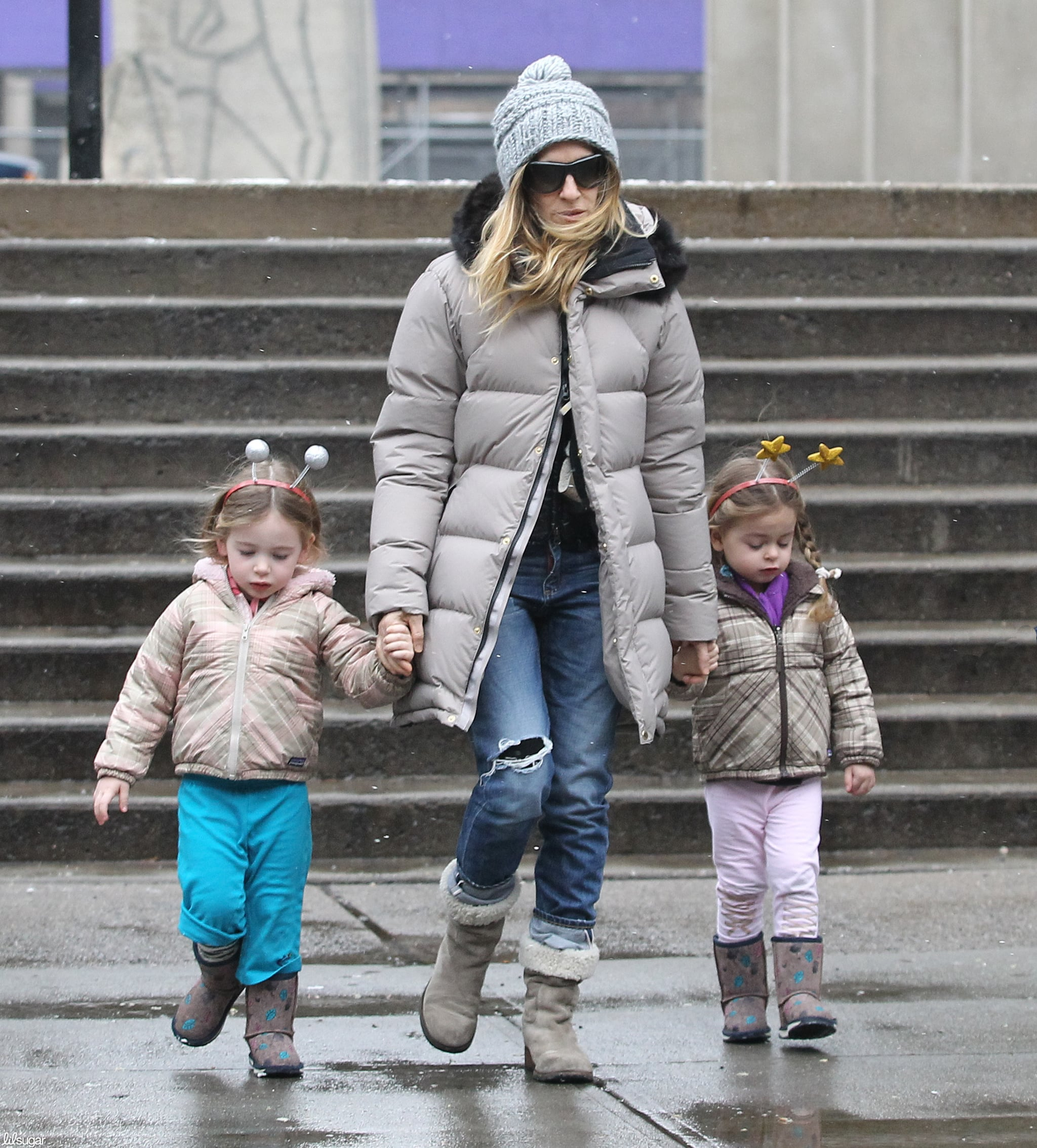 Sarah Jessica Parker took her girls, Loretta Broderick and Tabitha Broderick, out in NYC on Monday.