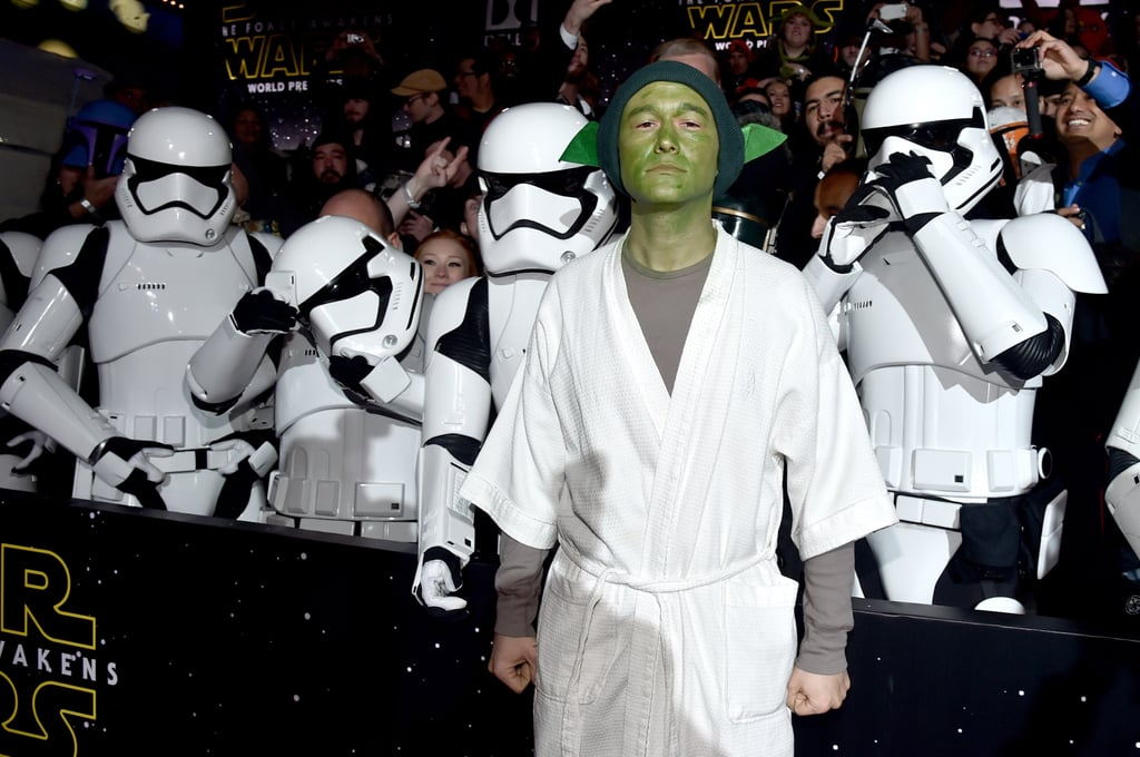 JGL Showed Everyone on the Star Wars: The Force Awakens Red Carpet How It's Done