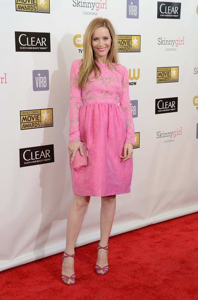 Leslie Mann was pretty in pink in this long-sleeved number by Honor.