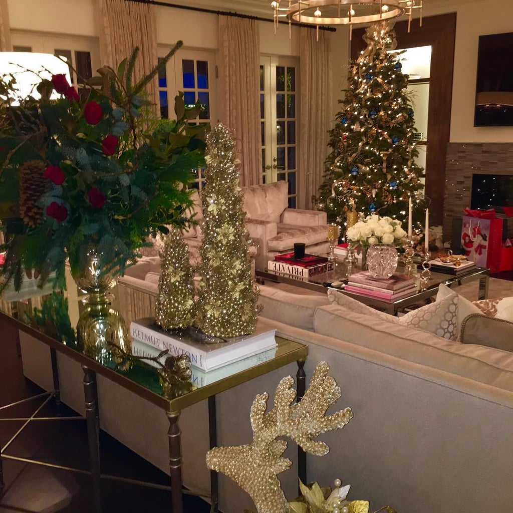 sofia vergaras holiday decorations make her home look straight out of a catalog - Celebrities Christmas Decorated Homes
