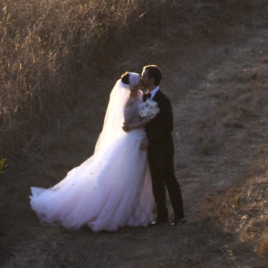 Anne Hathaway Engaged Celebrity Save The Dateanne: Anne Hathaway's Valentino Wedding Dress