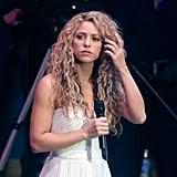 Shakira: Long, Relaxed Curls