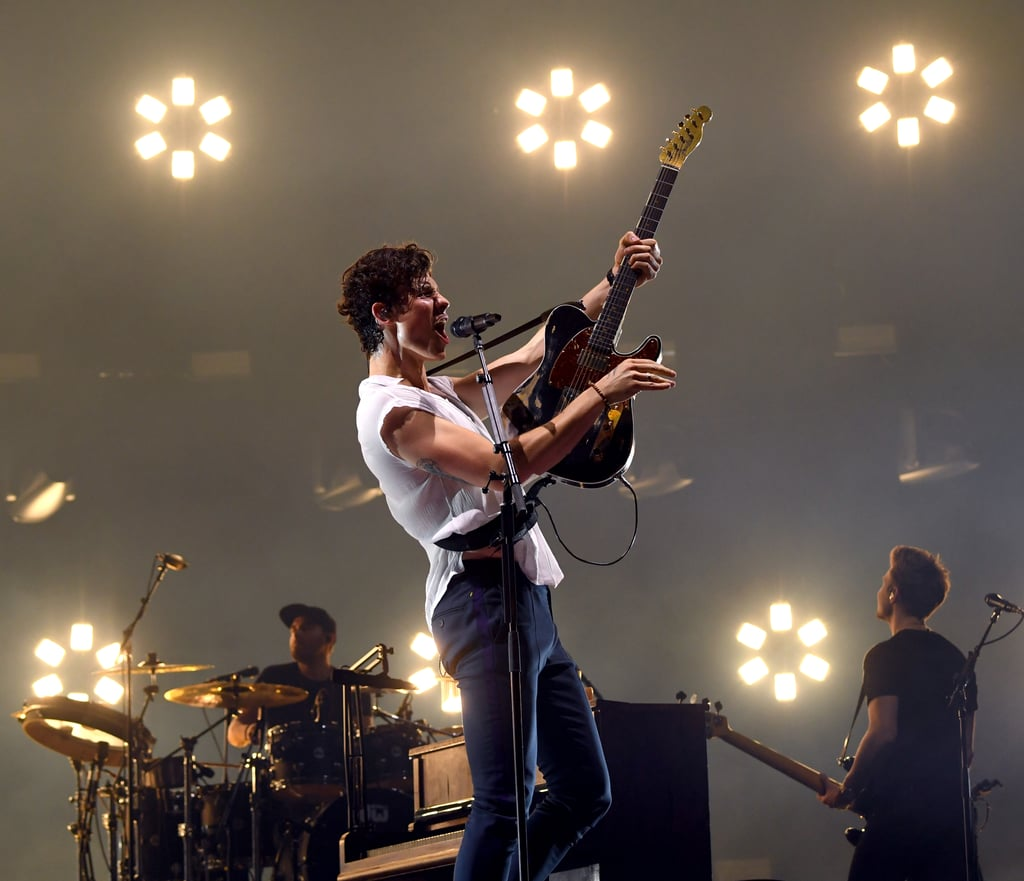Shawn Mendes Starts North American Tour in Portland — Photos