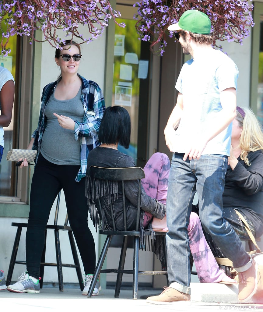Pregnant Leighton Meester Pictures
