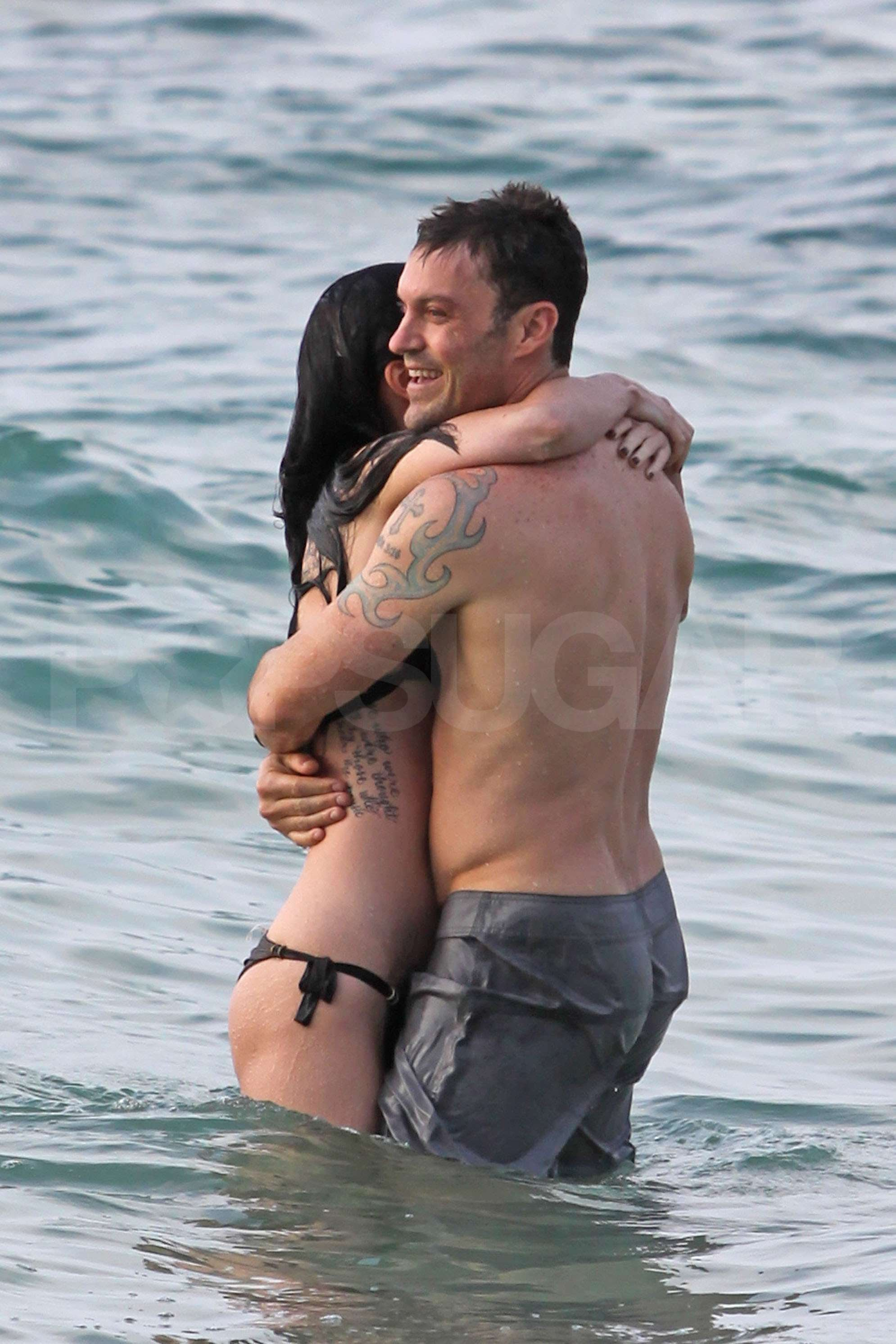 Megan Fox Bikini Pictures In Hawaii With Brian Austin
