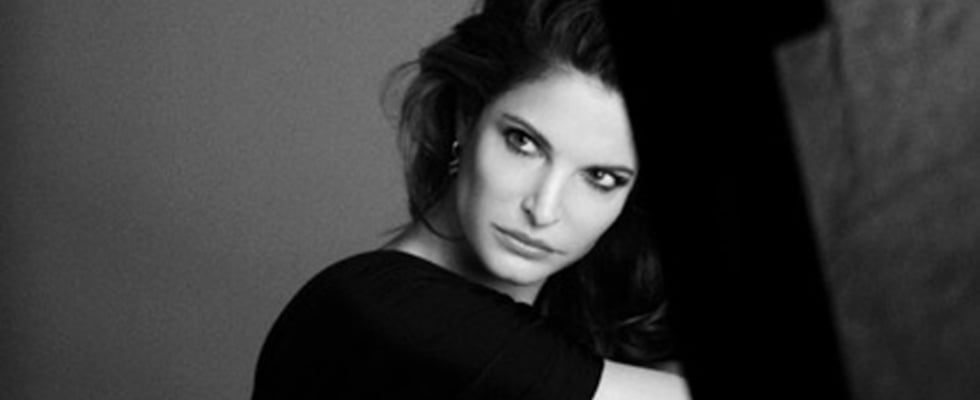 Stephanie Seymour Signs With Estee Lauder