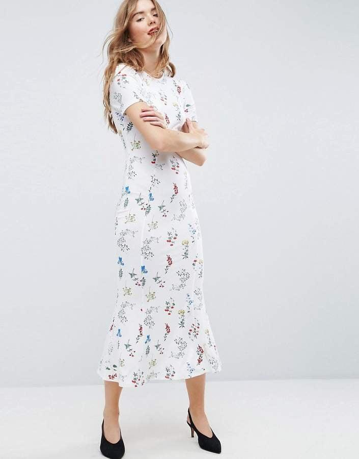 2f81637b3a9 ASOS City Maxi Tea Dress in White Base Floral