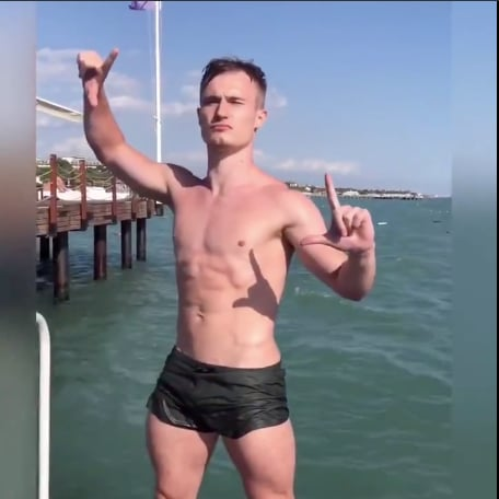 Watch Olympic Divers Perfectly Imitate the Avengers