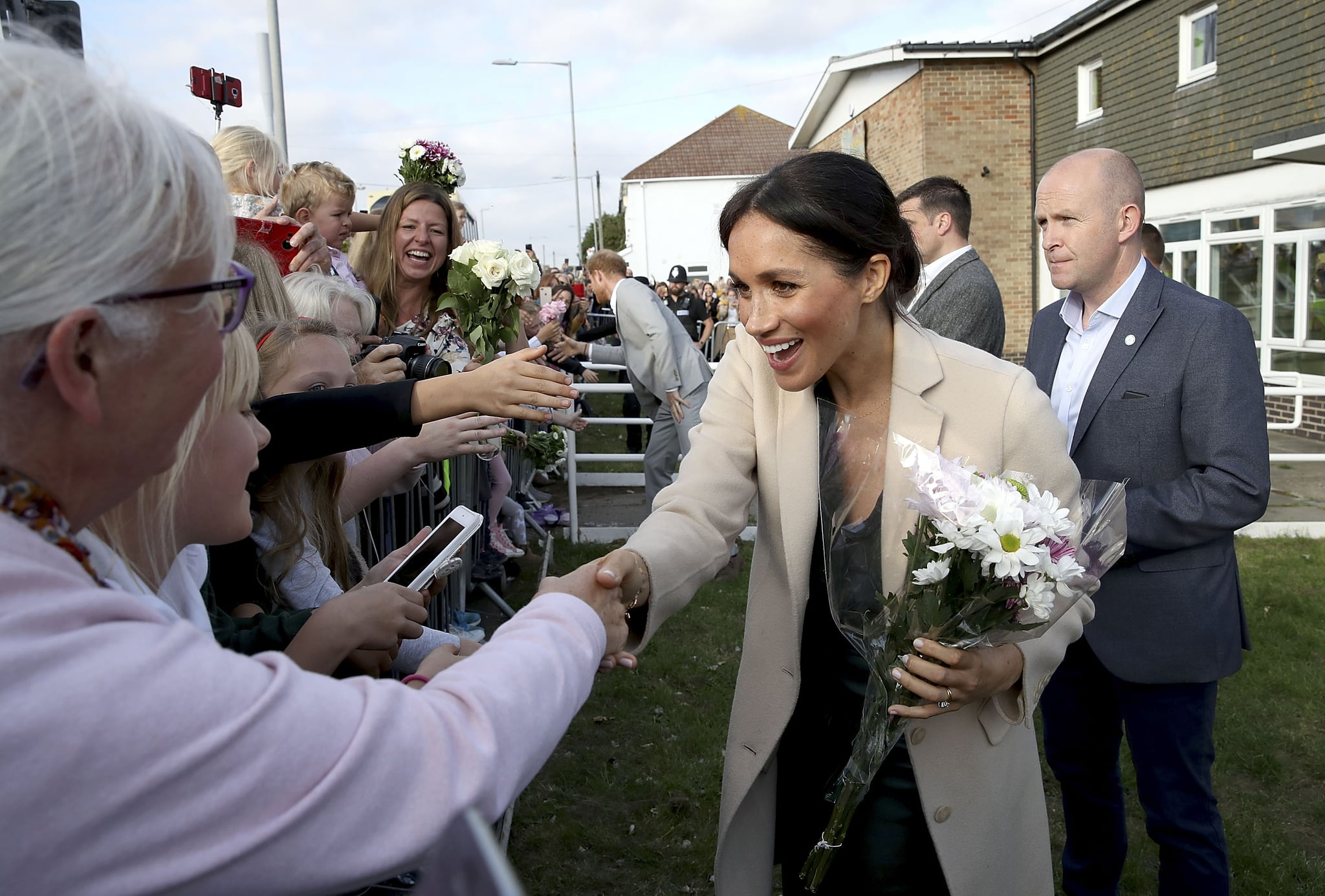 PEACEHAVEN, UNITED KINGDOM - OCTOBER 03:  Meghan, Duchess of Sussex makes an official visit to the Joff Youth Centre in Peacehaven, Sussex on October 3, 2018 in Peacehaven, United Kingdom. The Duke and Duchess married on May 19th 2018 in Windsor and were conferred The Duke & Duchess of Sussex by The Queen.  (Photo by Chris Jackson/Getty Images)