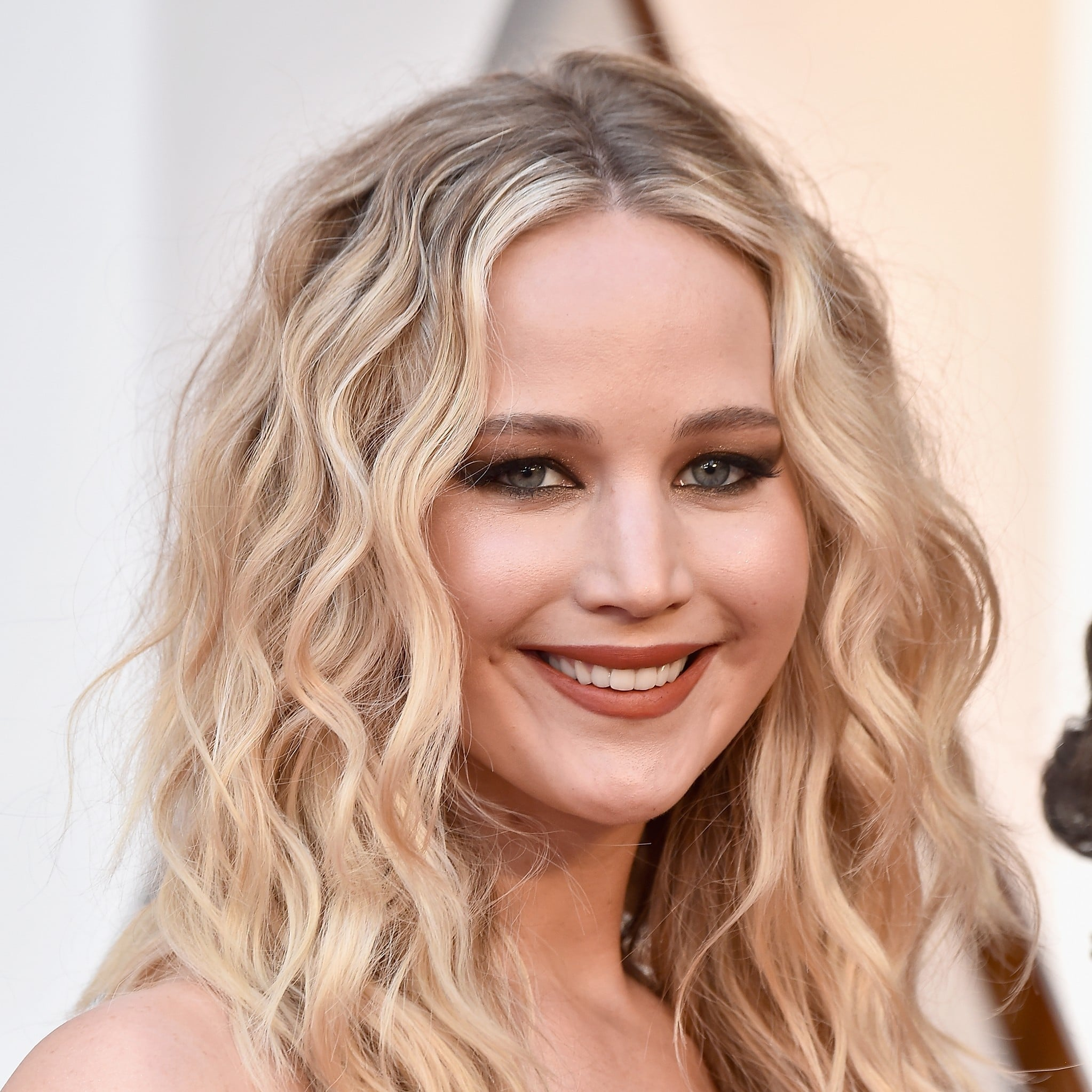 Jennifer Lawrence Oscars Makeup And Hair 2018 Popsugar Beauty