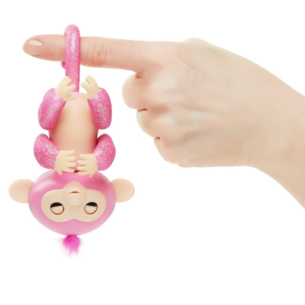 Fingerlings (Jungle Gym Playset + Interactive Baby Monkey Aimee)