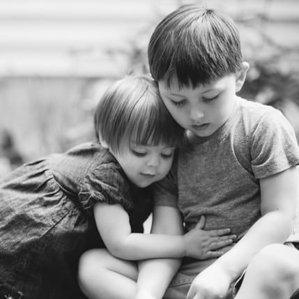 tips for photographing siblings popsugar family