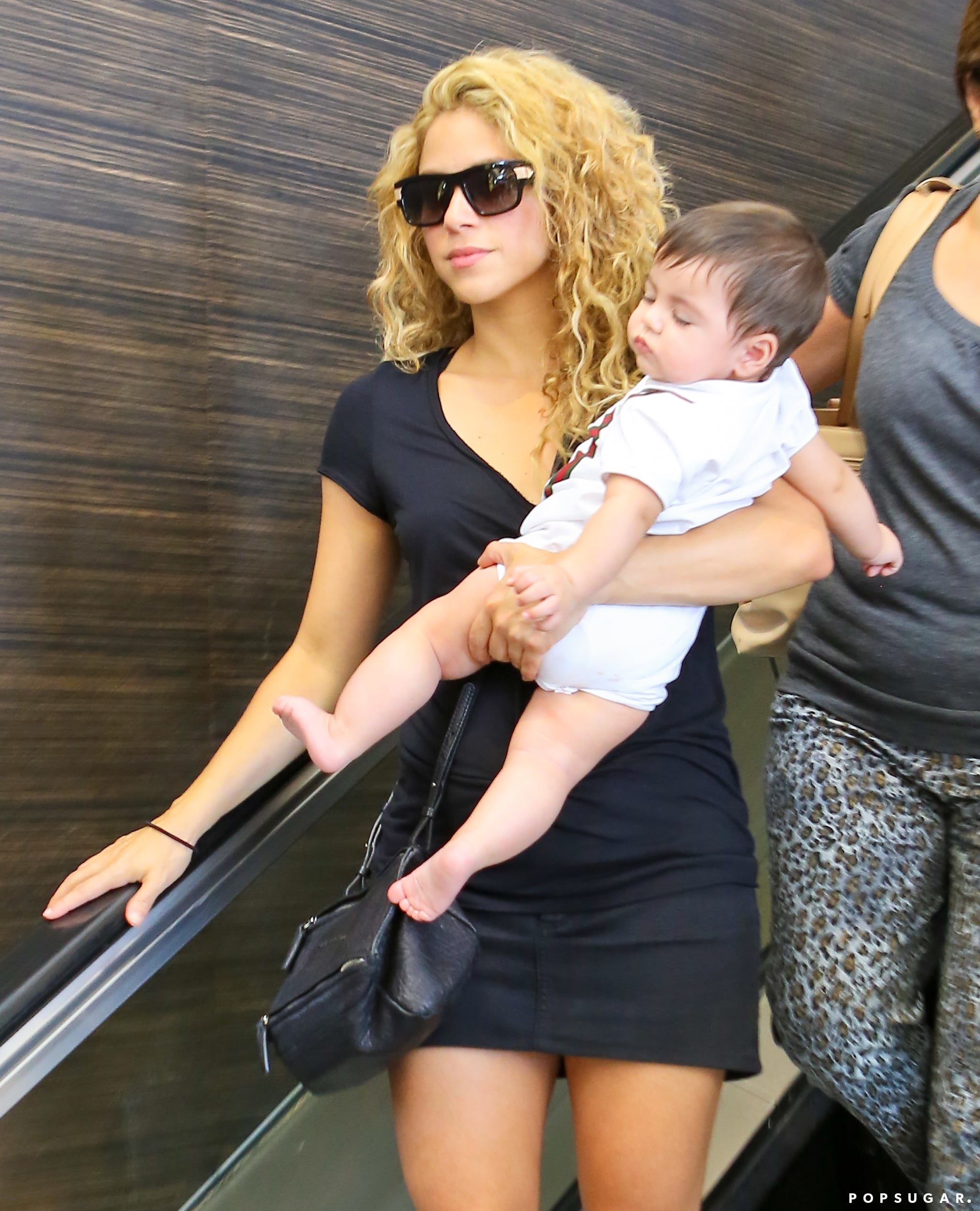 Shakira and her son, Milan, made a sweet pair at LAX on ...