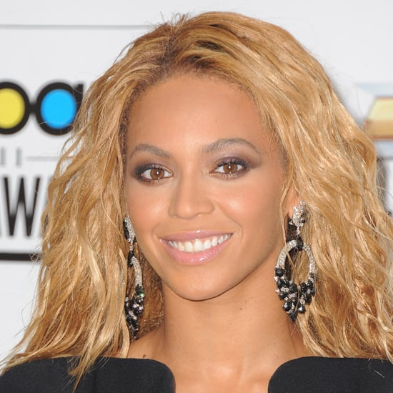 Beyoncé complemented her honey-blond hair with beautiful ...