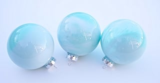 24 DIY Glass Ball Ornaments to Make Your Tree a Wintry Wonder