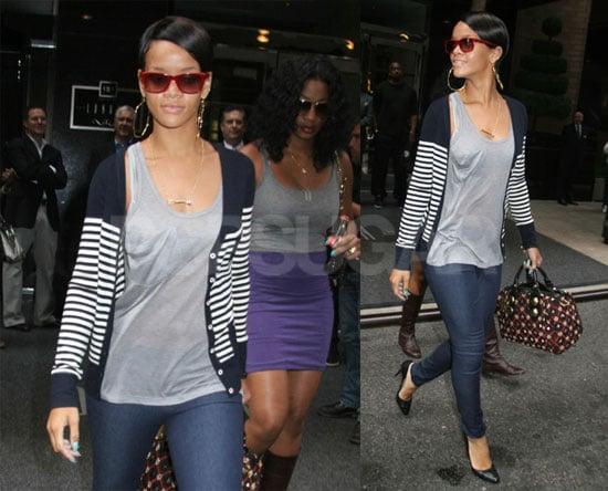 Photos of Rihanna in NYC 2008-09-03 15:30:31