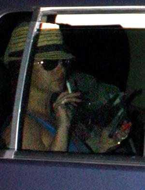 Britney's Still Behaving Strangely