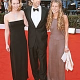David Schwimmer was flanked by Lisa and Jennifer on the red carpet at the SAG Awards in 2000.