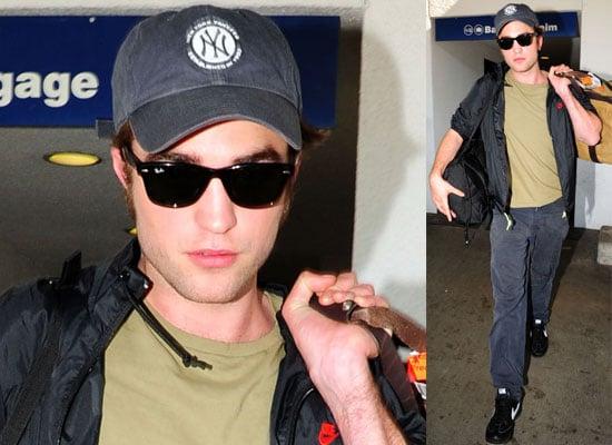 Robert Pattinson At LAX  For 2009 Teen Choice Awards