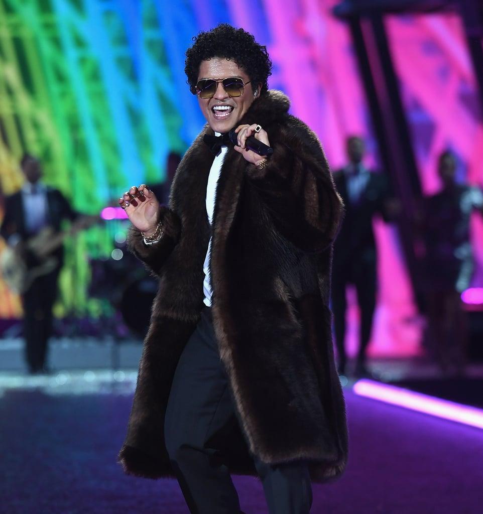Bruno Mars Dancing GIFs
