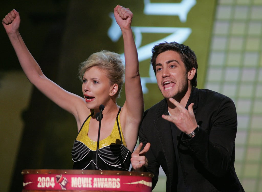 Scarlett Johansson and Jake Gyllenhaal had fun presenting in 2004 together.