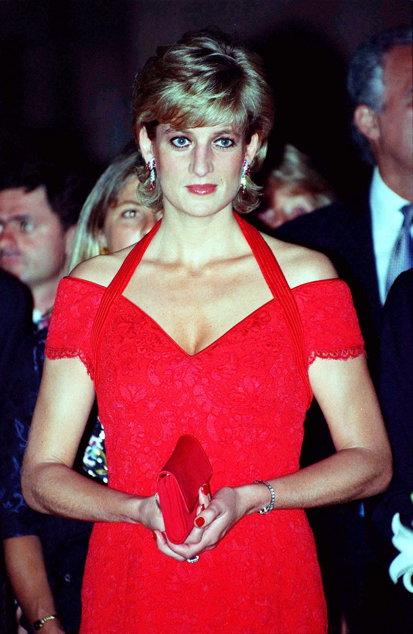 Princess Diana Fashion Exhibition At Kensington Palace Popsugar Fashion
