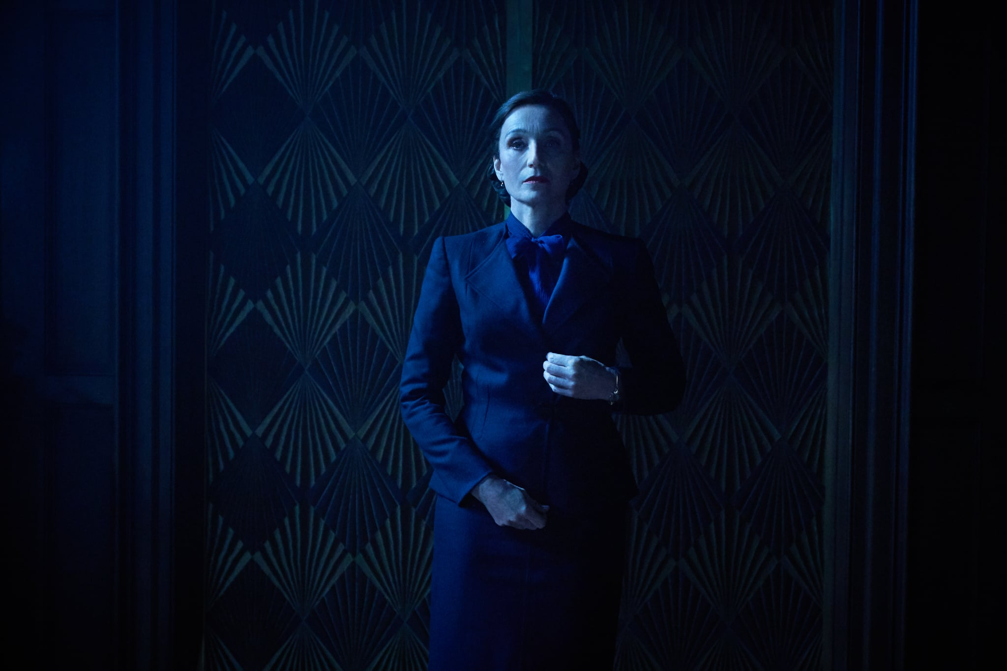 Rebecca: Kristin Scott Thomas as Mrs. Danvers. Cr. KERRY BROWN/NETFLIX