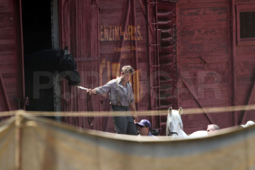 Pictures of Robert Pattinson Water For Elephants