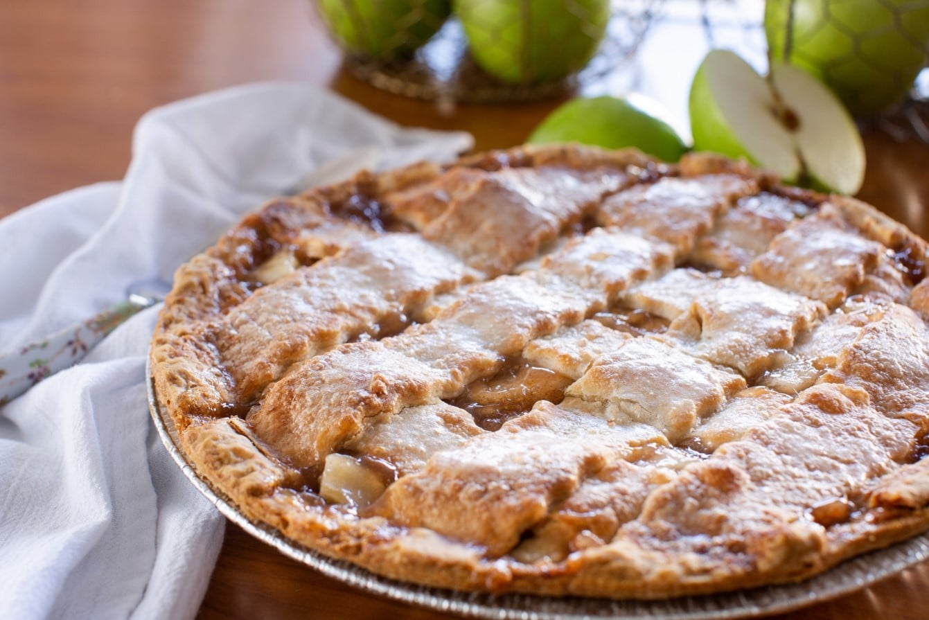 Sam's Club Is Selling a 4.5-Pound Apple Pie That Costs $9 — I'll Get the Plates