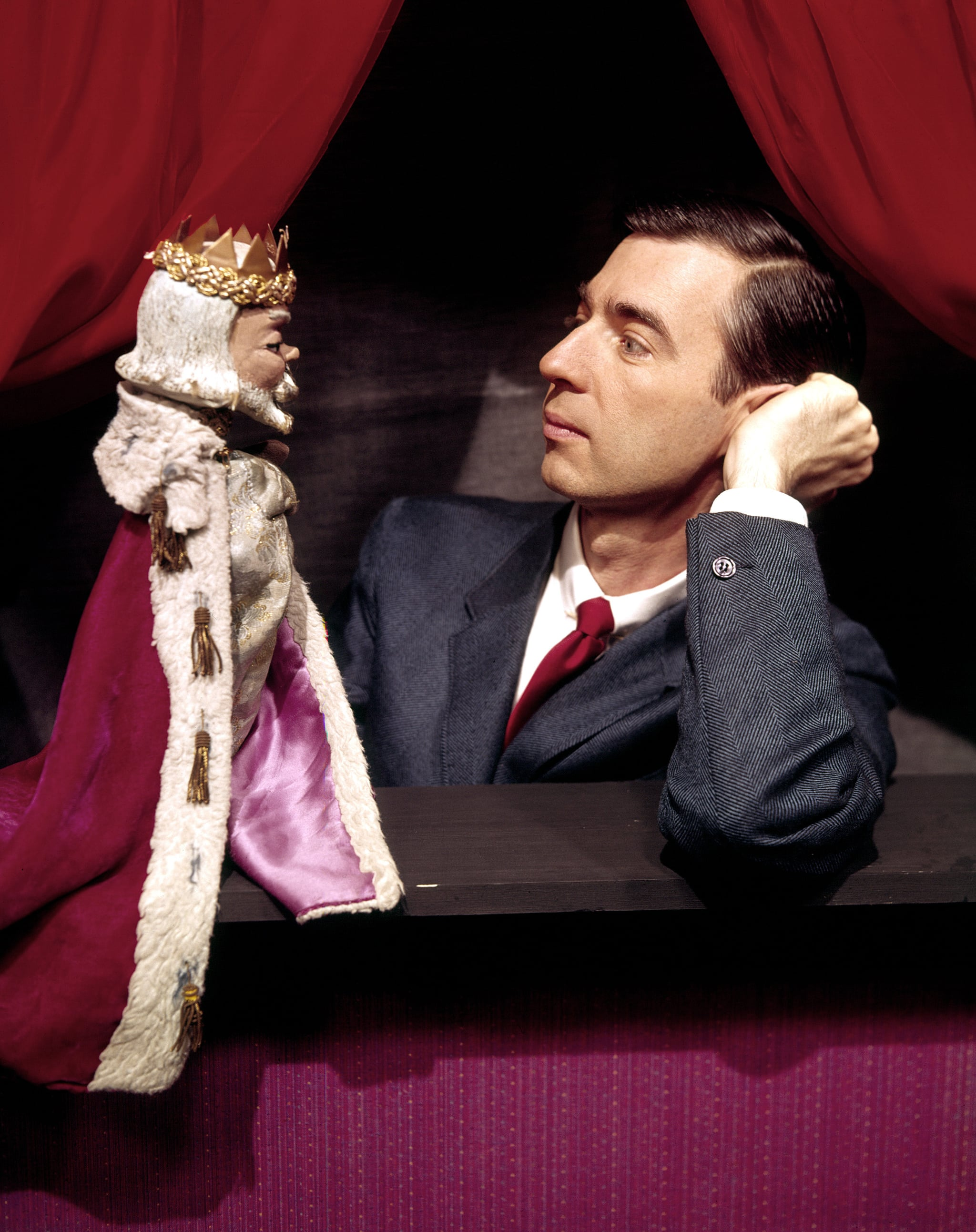 MISTER ROGERS' NEIGHBORHOOD, Fred Rogers and his puppet `King Friday', c. 1967 (at the start of the series)