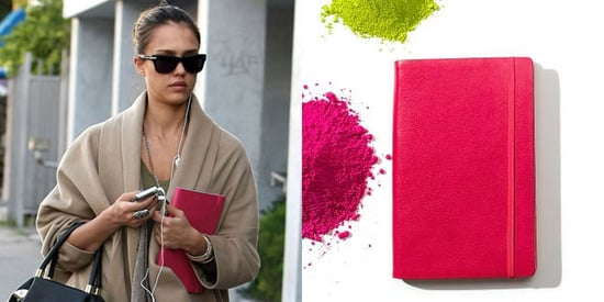 Jessica Alba With a Barnes & Noble Nookcolor