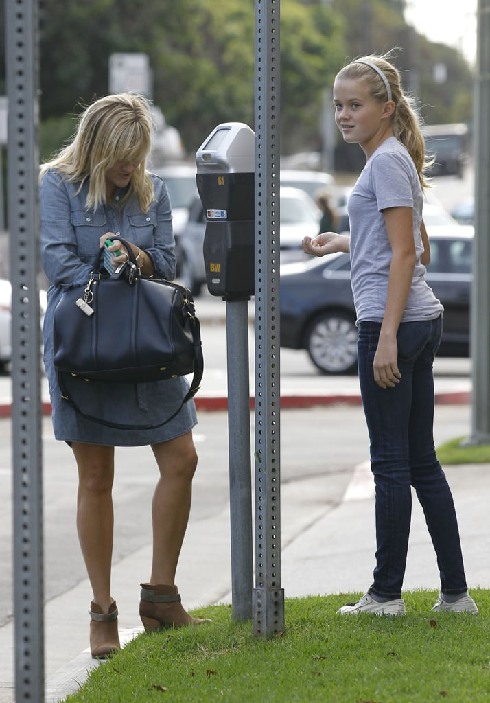 Reese Witherspoon and Ava paid for parking.