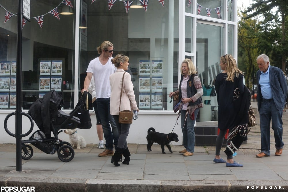 Chris Hemsworth, Sienna Miller, and Elsa Pataky chatted on the sidewalk in London.