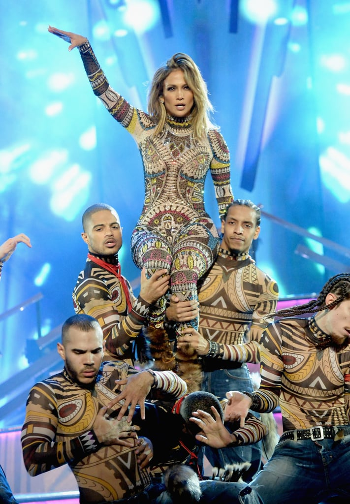 Jennifer Lopez's AMAs Hair and Makeup | 2015