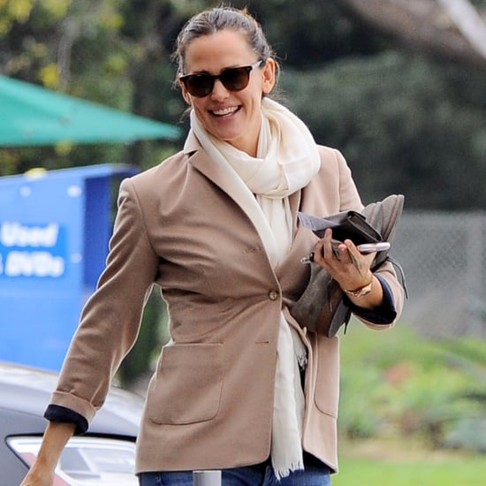 Jennifer Garner Out in LA February 2017