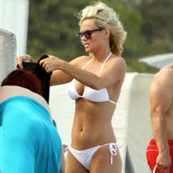 Jenny mccarthy swimsuit photos