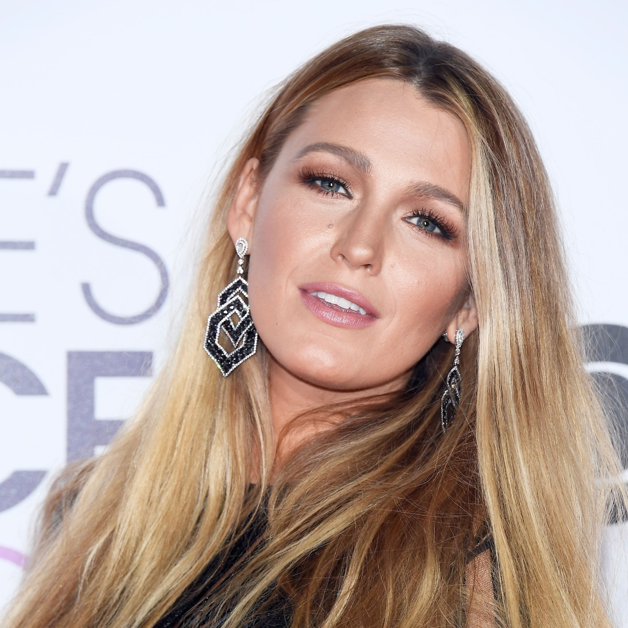 Blake lively hair and makeup at peoples choice awards 2017 blake lively hair and makeup at peoples choice awards 2017 popsugar beauty urmus Image collections
