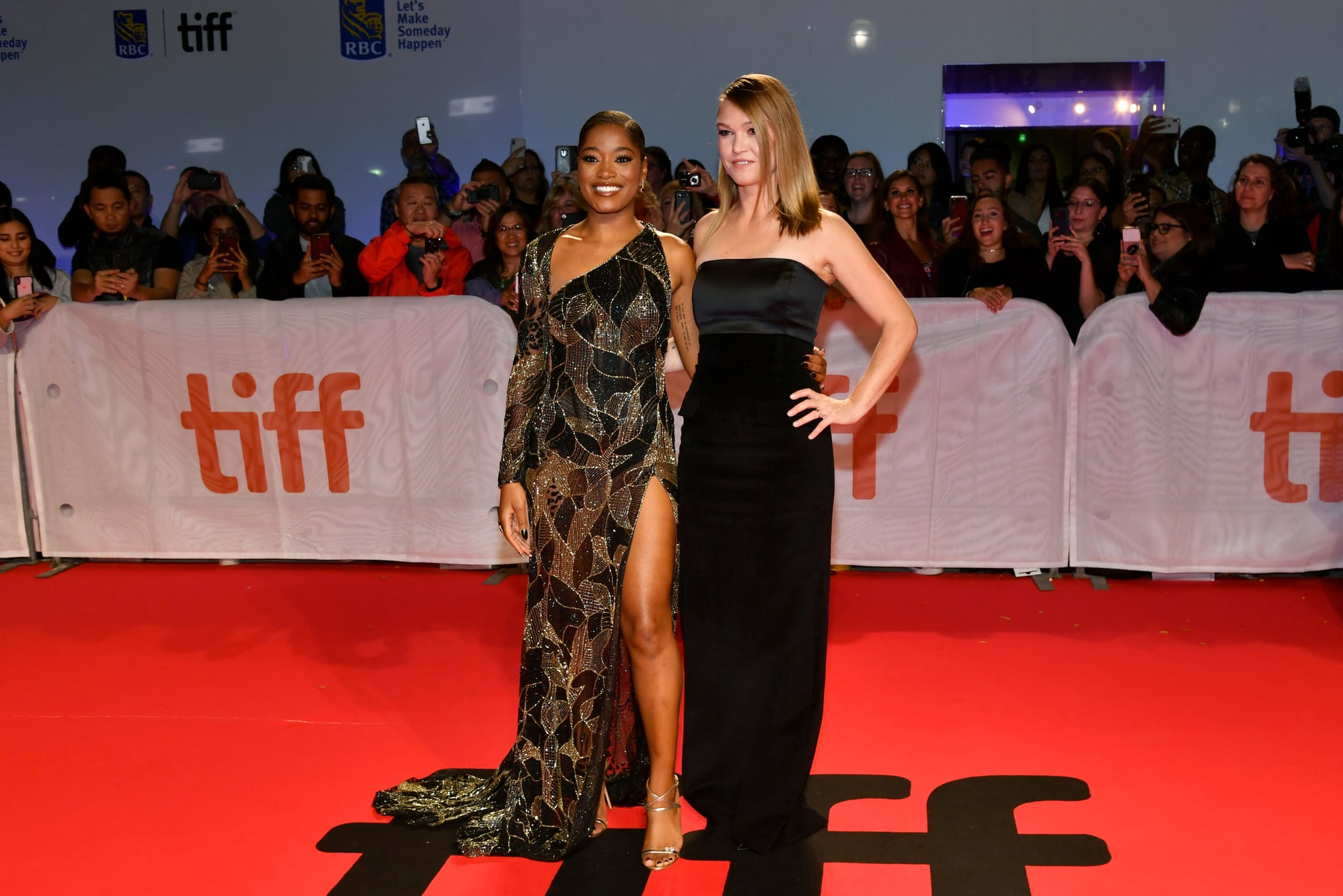 Keke Palmer And Julia Stiles At The Hustlers Premiere The