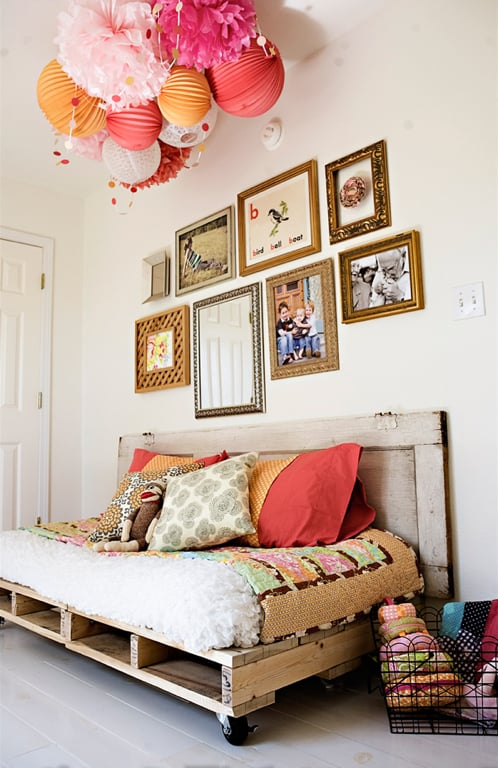 Doesn't this Palette Day Bed look stunning? See how you can make one for your home! Source: Under the Sycamore