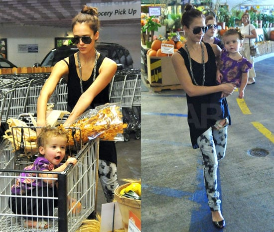 Photos of Jessica Alba and Honor at the Grocery Store 2009-10-18 10:00:00
