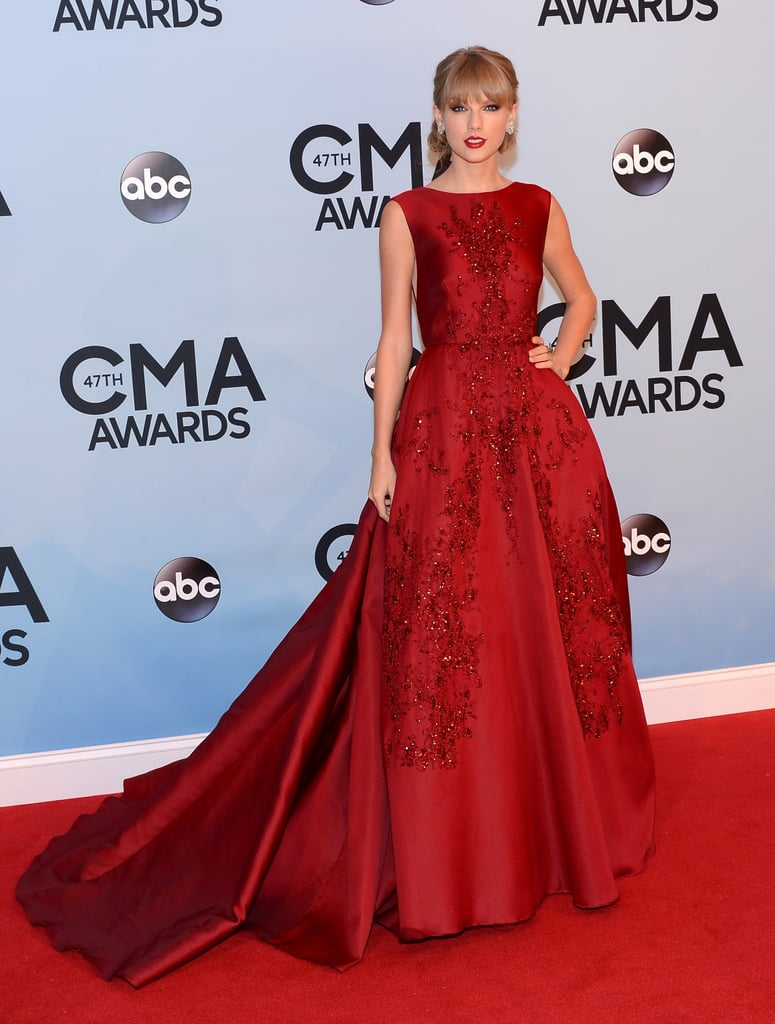 Taylor Swift made a stunning arrival at the Country Music Association Awards in Nashville on Wednesday night.