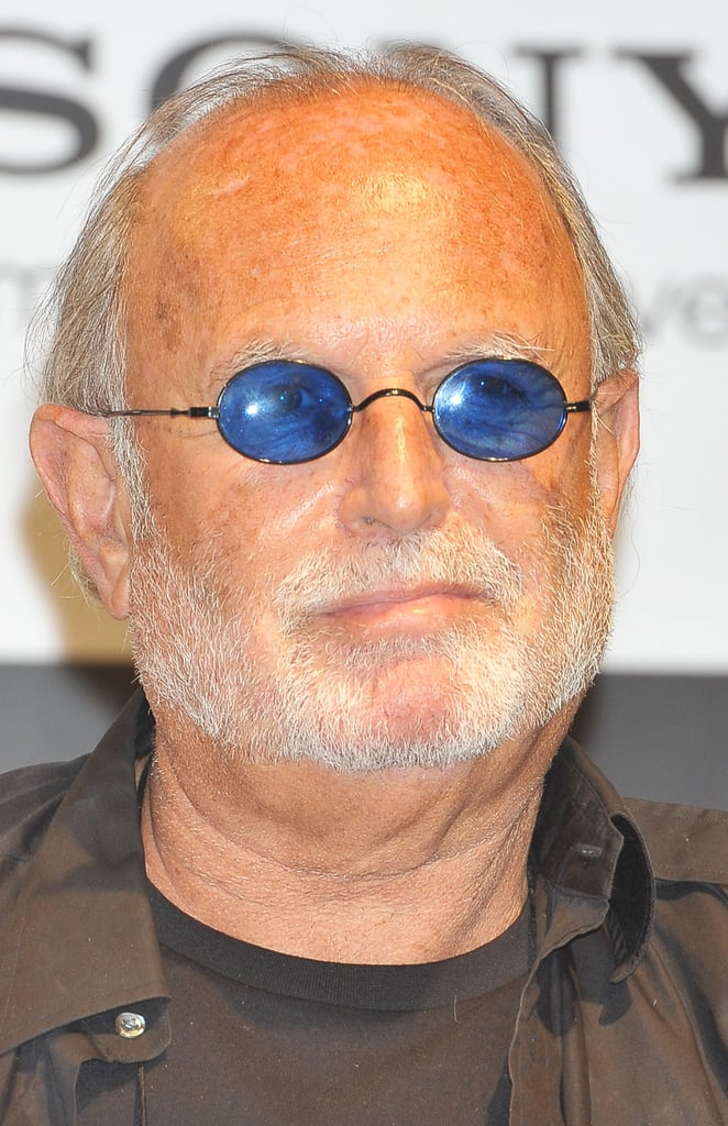 Avi Arad wore blue glasses to the press conference for The Amazing Spider-Man in Japan.